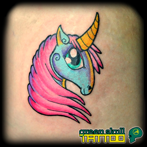 tattoo-tetovalas-color-new-school-unicorn-2.jpg