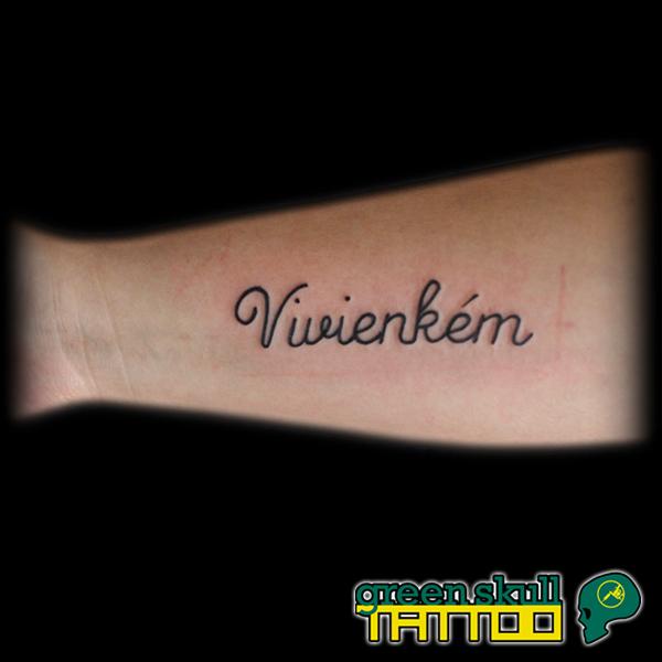 tattoo-tetovalas-felirat-vivien.jpg