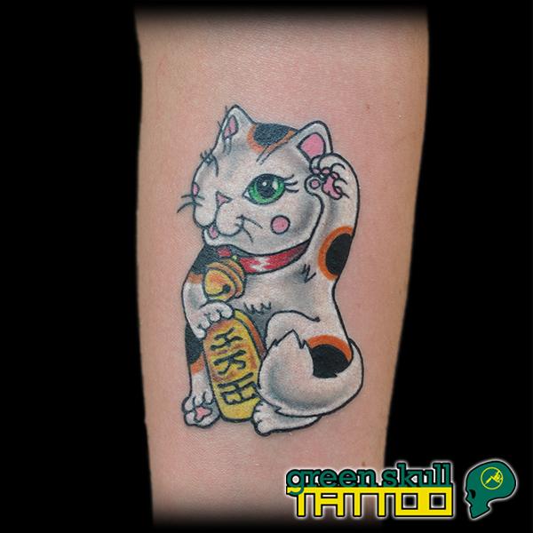 tattoo-tetovalas-szines-maneki-neko.jpg