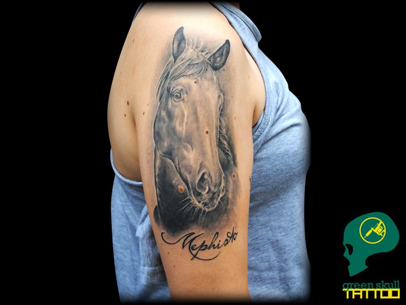 11-tattoo-tetovalas-horse-portrait-realistic-lo-portre.jpg