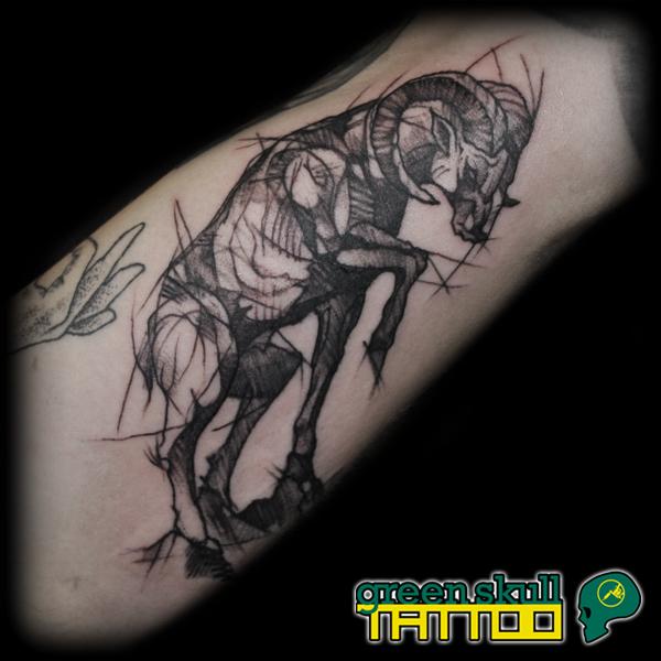 tetovalas-tattoo-ricsi-12-fekete-vonalas-kecske.jpg