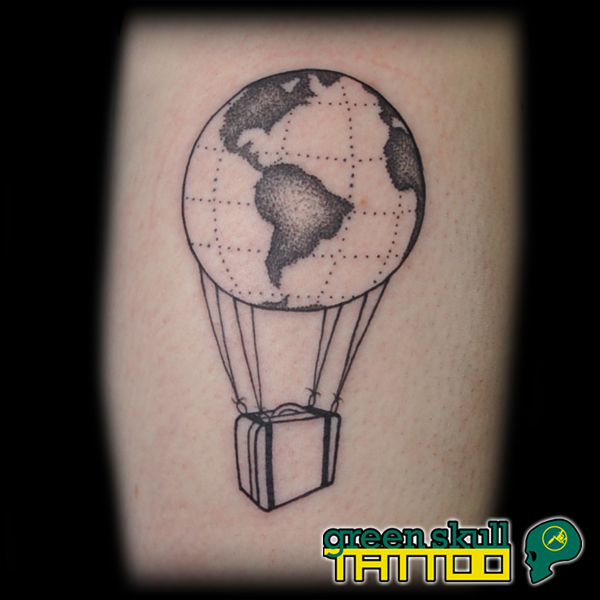 tetovalas-tattoo-ricsi-balloon-travel-dotwork-blackwork.jpg