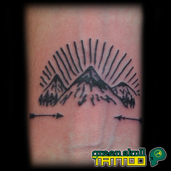 tetovalas-tattoo-ricsi-hegyek-mountains.jpg
