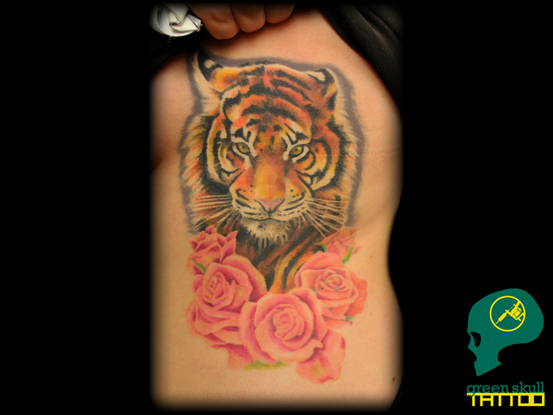 tattoo-tetovalas-1-color-tiger-tigris-roses-rozsa.jpg